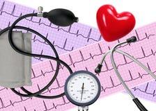 Analyse de coeur, graphique d'électrocardiogramme, stéthoscope, coeur Photos libres de droits