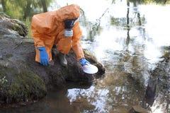 Analyse de l'eau experte photos libres de droits