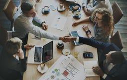 Analyse-Geschäft, das korporatives intelligentes Konzept gedanklich löst stockfoto