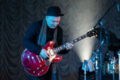 Analyse - le jazz-band célèbre exécutent avec Nino Katamadze photo stock