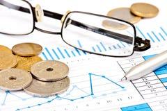 Analyse van bedrijfsrapporten Royalty-vrije Stock Foto