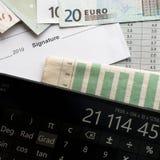 Analyse van de markt voor voordelige investeringsbesparingen stock foto