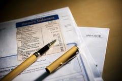 Analyseer de rekening Stock Fotografie