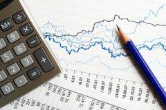 Analyser de données financières. Images libres de droits