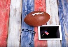 Analysieren des amerikanischen Fußballspiels mit Computertechnologie Lizenzfreies Stockfoto