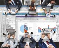 Analytik, die Nomogramm-Berichts-Konzept gedanklich löst Lizenzfreie Stockbilder