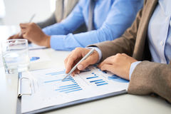 Analyzing chart Royalty Free Stock Images