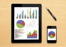 Analyzing graph with tablet Royalty Free Stock Photos