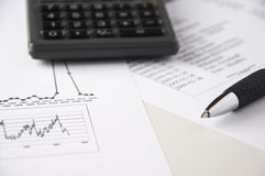 analyzing9财务的数据 免版税库存照片