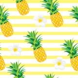 Ananas con il modello senza cuciture dei fiori esotici Illustrazione tropicale di estate per la carta da parati, il fondo, l'invo Immagini Stock