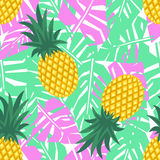 Ananas con il modello senza cuciture delle foglie tropicali Modello sveglio dell'ananas di vettore Fotografia Stock