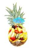 Ananas die met verse de zomervruchten wordt gevuld Stock Afbeeldingen