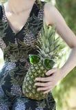 Ananas divertente negli occhiali da sole Fotografia Stock Libera da Diritti