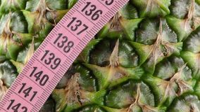Ananas e misura video d archivio