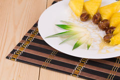 Ananas et dates Photographie stock