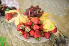 Ananas i truskawka zdjęcie royalty free