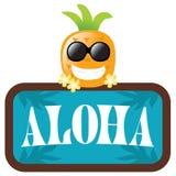 Ananas isolato con Aloha il segno Immagine Stock
