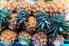 Ananas jaunes Photo libre de droits