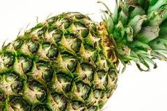Ananas lokalisiert auf weißem Hintergrund Der rote Samen ist der Inhalt Lizenzfreies Stockbild