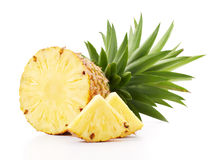 Ananas med skivor royaltyfri bild