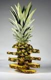 Ananas med skivor Arkivfoto