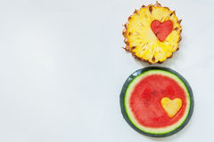 Ananas med vattenmelon sniden hjärta Arkivfoto