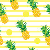 Ananas met Gouden Dots Seamless Pattern Royalty-vrije Stock Foto's