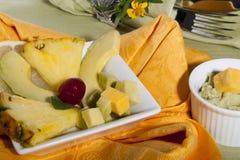 Ananas och avokado Arkivbild