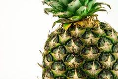 Ananas op witte achtergrond wordt geïsoleerd die De zomerfruit Royalty-vrije Stock Foto