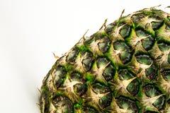 Ananas op witte achtergrond wordt geïsoleerd die De zomerfruit Royalty-vrije Stock Afbeelding