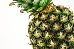 Ananas op witte achtergrond wordt geïsoleerd die De zomerfruit Royalty-vrije Stock Afbeeldingen
