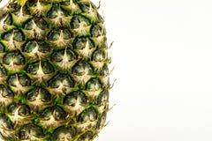 Ananas op witte achtergrond wordt geïsoleerd die De zomerfruit stock foto's