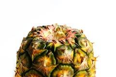 Ananas schnitt Nahaufnahmefotoisolat auf weißem Hintergrund Stockfoto