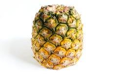 Ananas schnitt Nahaufnahmefotoisolat auf weißem Hintergrund Lizenzfreie Stockfotos