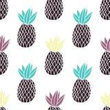 Ananas sui precedenti bianchi Modello senza cuciture di vettore con frutta tropicale Stile moderno Illustrazione di Stock