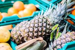Ananas Wśrodku sklepu spożywczego - Turcja Obrazy Royalty Free