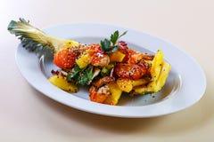 Ananas z owoce morza obrazy stock
