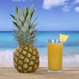 Ananasfruit en sapdrank Royalty-vrije Stock Foto