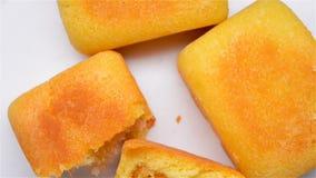 Ananaskuchendrehen stock video footage