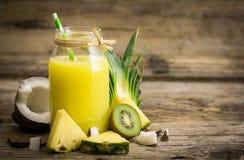 Ananasowy sok Zdjęcia Royalty Free