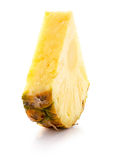 Ananasskiva som isoleras på den vita bakgrunden Arkivbilder