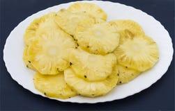Ananasy w talerzu Zdjęcie Royalty Free