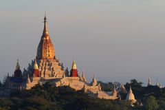 Ananda Temple på soluppgång Royaltyfri Foto