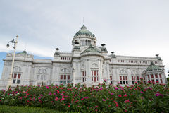 Ananta Samakhom biskopsstol Hall i den thailändska kungliga Dusit slotten, Bangkok, Thailand Royaltyfria Bilder