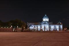Ananta Samakhom Palace. Front view of Ananta Samakhom Palace at night Stock Photos