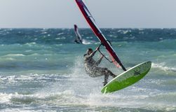Anapa, Ρωσία, στις 10 Δεκεμβρίου 2017: Windsurfing, αθλητικοί ανταγωνισμοί Στοκ φωτογραφίες με δικαίωμα ελεύθερης χρήσης