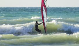 Anapa, Ρωσία, στις 10 Δεκεμβρίου 2017: Windsurfing, αθλητικοί ανταγωνισμοί Στοκ φωτογραφία με δικαίωμα ελεύθερης χρήσης