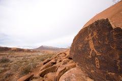 anasazi峡谷刻在岩石上的文字 免版税库存照片