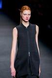 Anastasia Ivanova (Modell) geht die Rollbahn für das Sammlung an der 080 Barcelona die Mode-Woche der 2015 Fall-Winter Stockbild