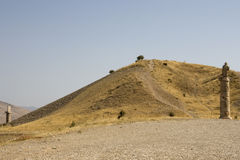 Anatolia - Karakus Tumulus burial ground. Artificial tumulus is for the women of theB Commagene Royal Family (first Century B.C.). Surrounding the tumulus are Stock Image